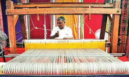 Need to raise infrastructure for quality goods in handloom exports