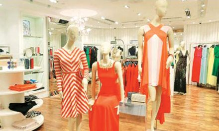 Reliance Brands buys 8 per cent additional stake in Genesis Colors