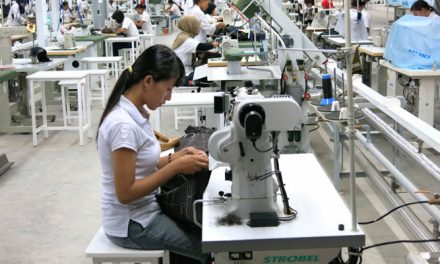 Indonesian textile firms aim exports, ignore local demand