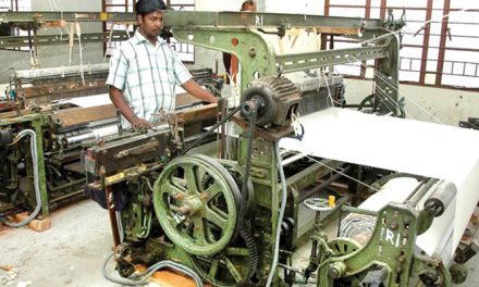 Power loom weavers demand subsidy for existing units