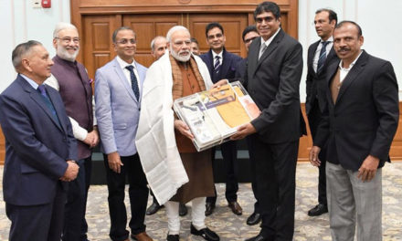 TEA hails PM for interaction with textiles industry delegates